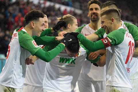 Augsburg 3-5 Dortmund Tân binh Haaland ra mắt bằng một hattrick hình ảnh 2