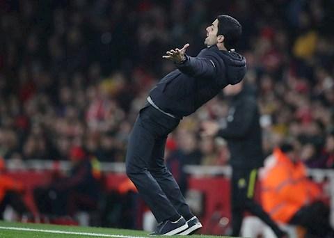 Mikel Arteta khuyến khích cầu thủ Arsenal thành 'con nghiện' hình ảnh