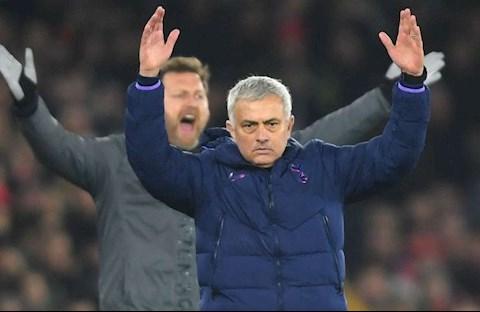 Tottenham bị cầm hòa, Mourinho đổ lỗi cho người không chơi 1 phút hình ảnh 2
