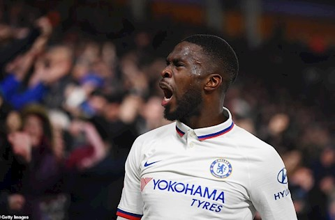 Hull City 1-2 Chelsea Tomori ghi ban