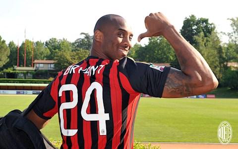 Xúc động AC Milan trái lệnh để tri ân tưởng nhớ Kobe Bryant hình ảnh