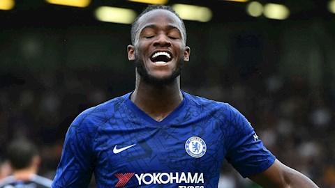 Aston Villa hỏi mượn Michy Batshuayi của Chelsea hình ảnh