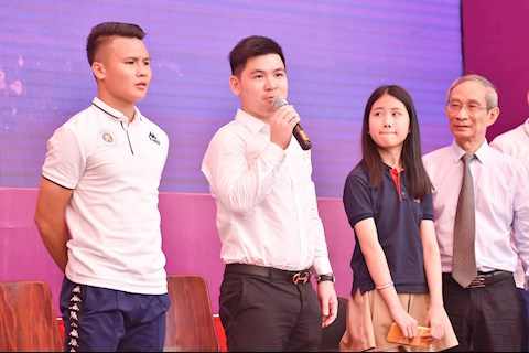 Con bầu Hiển nhậm chức chủ tịch CLB Hà Nội, hình ảnh