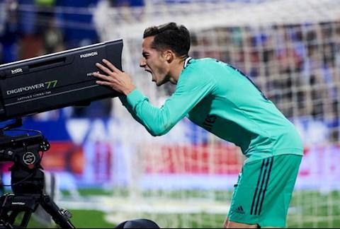 Zaragoza 0-4 Real Madrid Trả nợ thay thầy, Kền kền trắng vào tứ kết cúp Nhà vua hình ảnh 2