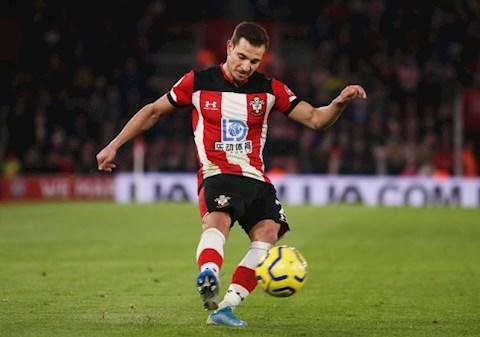 Arsenal ký hợp đồng với Cedric từ Southampton hình ảnh