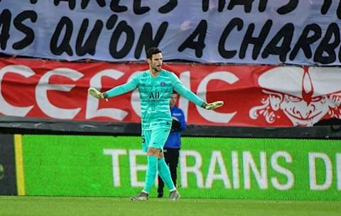 Sergio Rico lớn tiếng khen PSG là CLB lớn nhất thế giới hình ảnh
