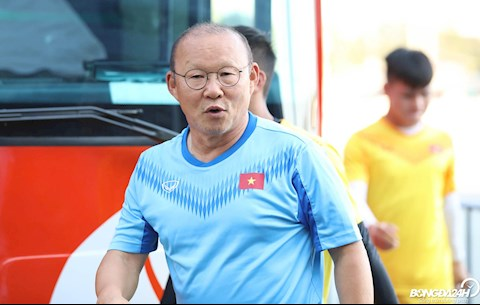 Báo Hàn sốc với tình cảm của NHM Việt dành cho HLV Park Hang Seo hình ảnh