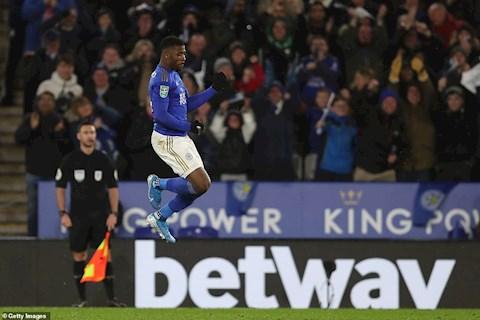 Leicester 1-1 Aston Villa: Suyt thua, bay cao gap bat loi o ban ket League Cup