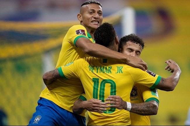 Neymar co 2 kien tao truoc Bolivia