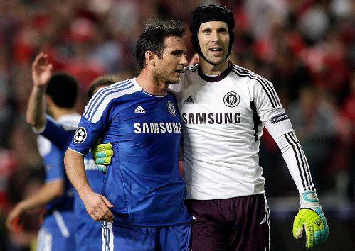 Petr Cech va Lampard khi con khoac ao Chelsea