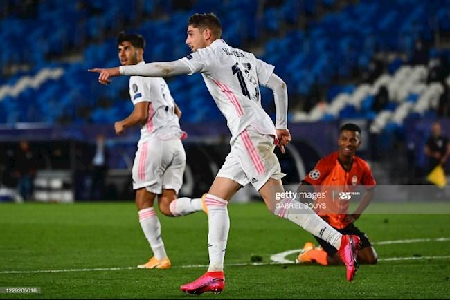 Tình huống Real Madrid bị VAR tước bàn thắng hình ảnh