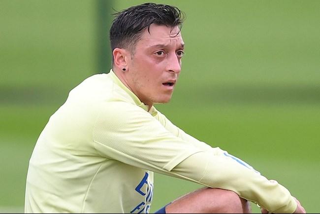 Mesut Ozil co thuc su la nan nhan cua Arsenal?