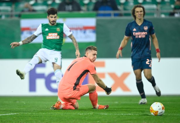 Luiz giải thích lý do thủ môn Bernd Leno thường xuyên mắc lỗi hình ảnh