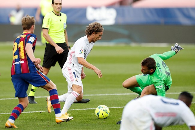 Modric Barca vs Real