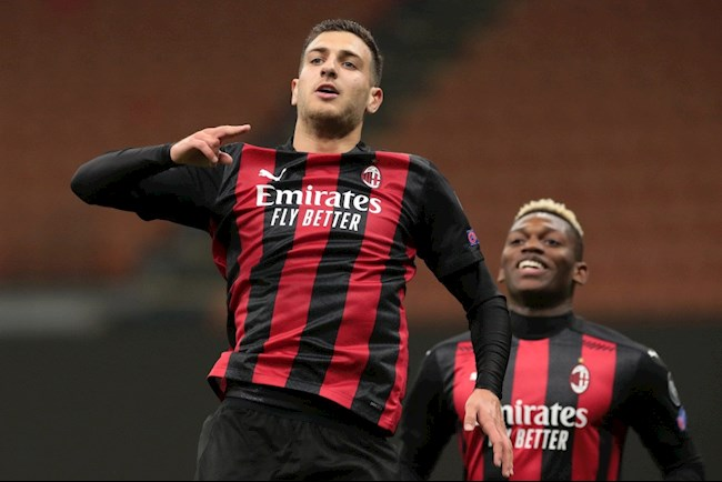Diogo Dalot co 1 ban 1 kien tao trong ngay ra mat AC Milan