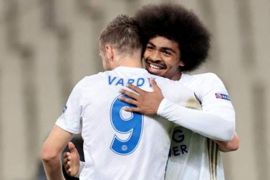 Tiền đạo Jamie Vardy đi vào lịch sử Leicester hình ảnh