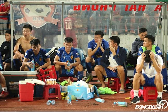 Quảng Nam xuống hạng, các cầu thủ bật khóc hình ảnh