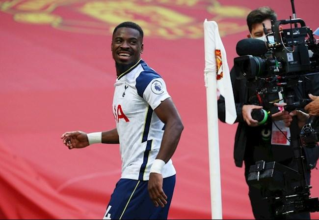 Aurier dem ve ban thu 5 cho Tottenham