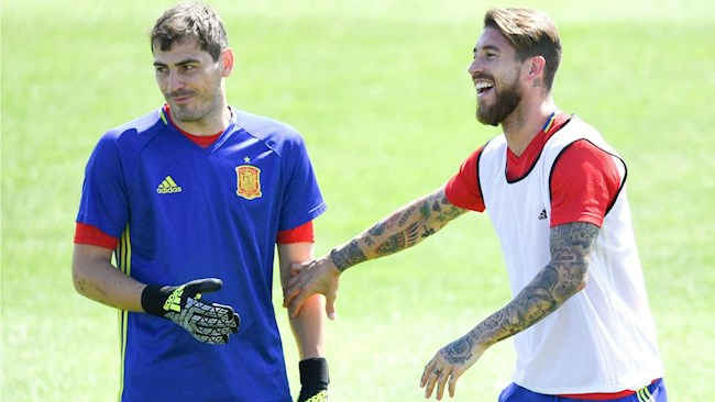 Trung vệ Sergio Ramos chính thức vượt qua kỷ lục của Casillas hình ảnh