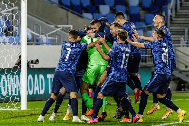 Thông tin 4 cặp chung kết playoff tranh vé dự VCK Euro 2020 hình ảnh
