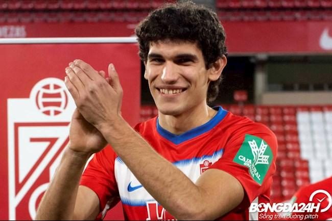 Tiểu sử cầu thủ Jesus Vallejo hậu vệ của câu lạc bộ Granada hình ảnh
