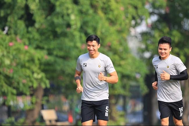 CLB Ha Noi Van Hau Quang Hai