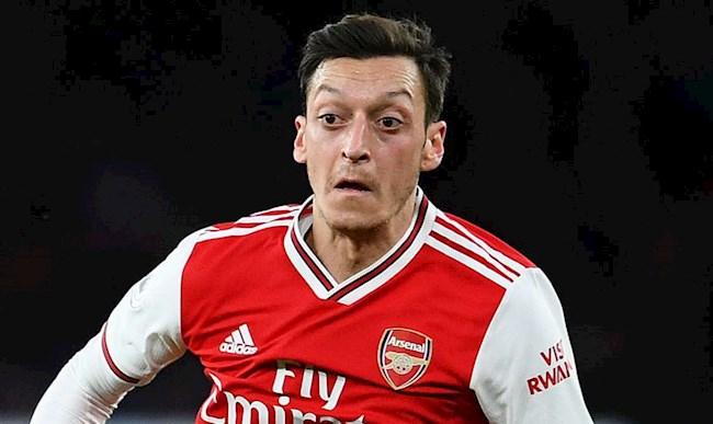 Cựu thần đồng bất ngờ với cách Arsenal đày đọa Mesut Ozil hình ảnh