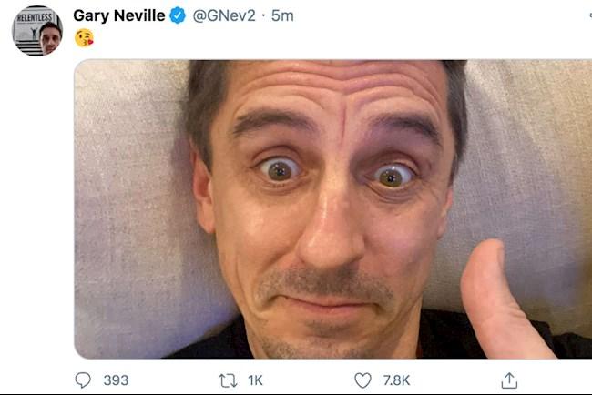 Gary Neville cà khịa Liverpool cực gắt hình ảnh