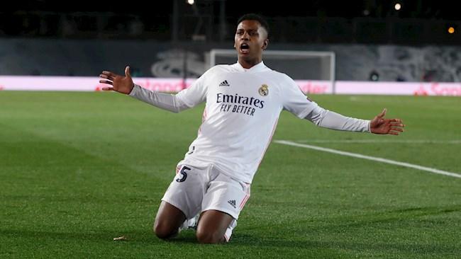 Tai nang tre Rodrygo mang ve ban quyet dinh cho Real Madrid sau khi vao san thay nguoi