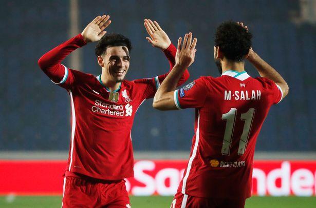 Liverpool thang Atalanta Curtis Jones kien tao cho Salah
