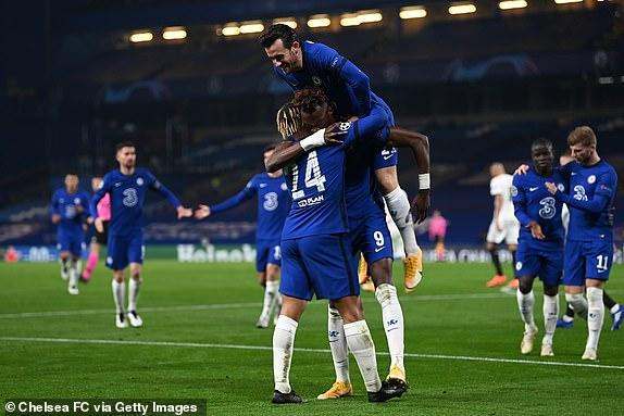Chelsea danh bai Rennes 3-0
