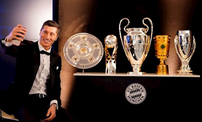 Lewandowski da cung Bayern thau tom 5 danh hieu trong nam 2020