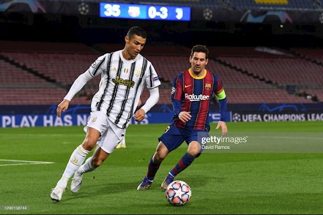 Ronaldo va Messi truc tiep so tai tren san co, trong tran Barca 0-3 Juventus