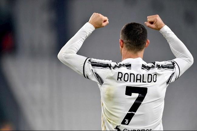 Tiền đạo Cristiano Ronaldo được vinh danh ở Serie A hình ảnh