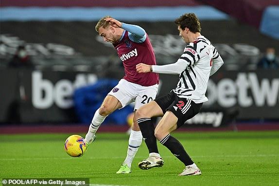 Bowen bo lo co hoi mo ty so cho West Ham