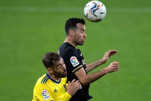 Tiền vệ Sergio Busquets lý giải sự sa sút của Barca hình ảnh