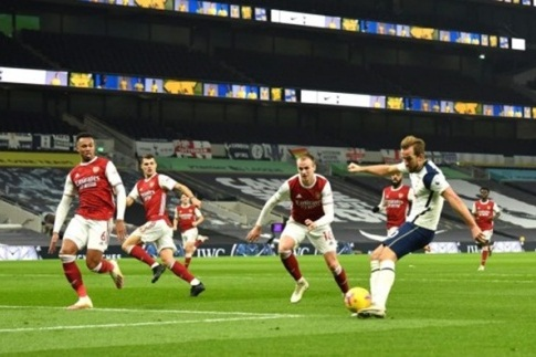 Tony Adams nói về kết quả Tottenham vs Arsenal hình ảnh