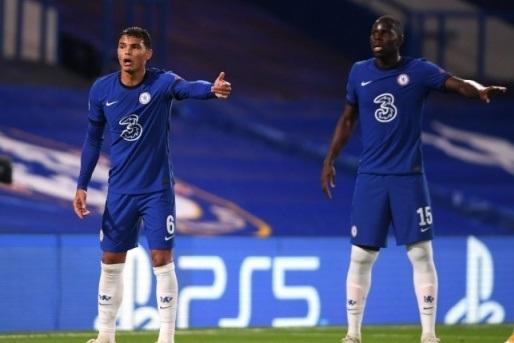 Thiago Silva và Kurt Zouma được so sánh với 2 huyền thoại Chelsea hình ảnh