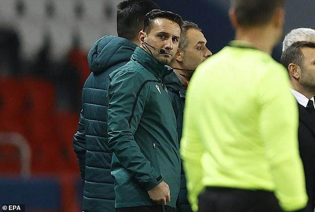 BIẾN CĂNG Trọng tài phân biệt chủng tộc, trận đấu PSG vs Basaksehir phải tổ chức lại hình ảnh 2