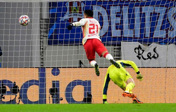 Kết quả Leipzig vs MU Hàng thủ tệ hại nhấn chìm Quỷ đỏ hình ảnh