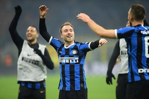 Inter 4-2 Milan Tân binh tiền vệ Eriksen quay ra chê bóng đá Anh hình ảnh
