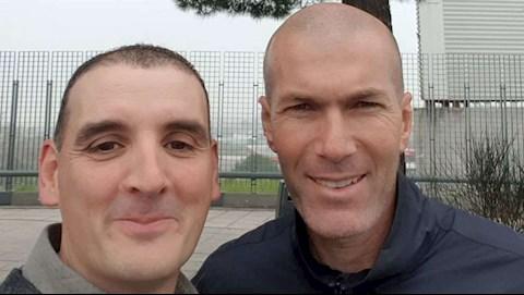 Zidane gây tai nạn bên ngoài sân tập Real Madrid hình ảnh