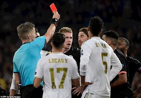 Cựu sao Man City Sergio Ramos không phạm lỗi, không đáng bị thẻ hình ảnh