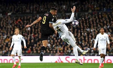 Vinicius kêu oan cho Real Cả SVĐ thấy Jesus đẩy Ramos hình ảnh