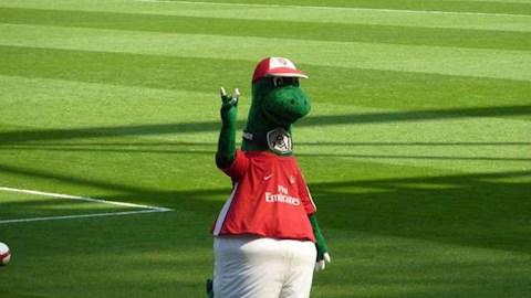 linh vat cua Arsenal