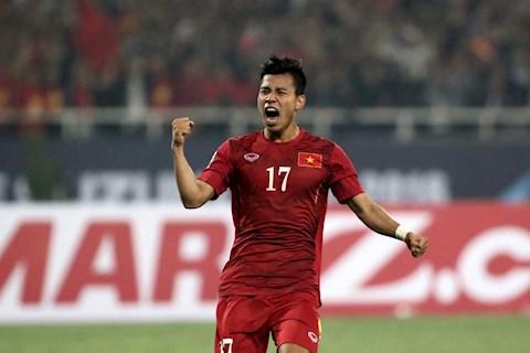 Văn Thanh trở lại hành lang phải trong trận đấu với Malaysia hình ảnh