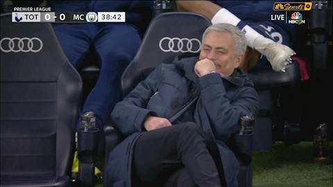 Mourinho trần tình về phản ứng hai mặt hài hước hình ảnh