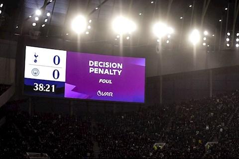 Sau trận Tottenham vs Man City: Khi VAR bị lược bỏ chữ A