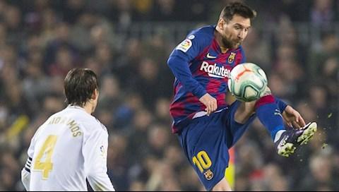 Lionel Messi đi vào lịch sử các trận Siêu kinh điển hình ảnh
