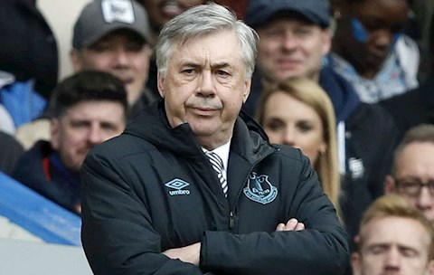 Everton tính thanh lý người thừa Jean-Clair Todibo giúp Barca hình ảnh